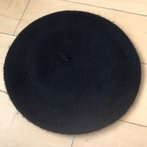 NWT Urban Outfitters Black felt beret